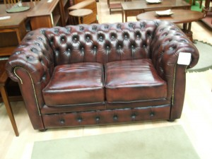 2 Seater Winsor Chesterfield